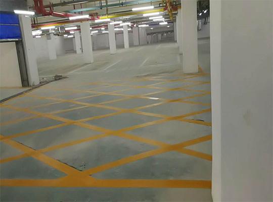 地下车库划线
