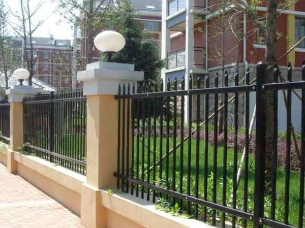 护栏专用镀锌管案例